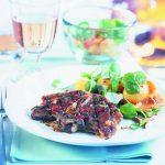 Lammrückensteaks mit Brunnenkresse-Kartoffelsalat