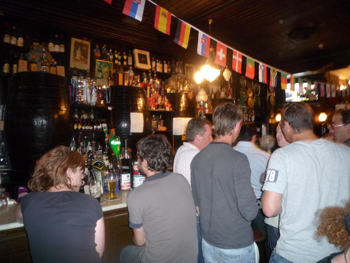 Mit dem Hausboot durch Irland - Irland unkonventionell entdecken - Auszeit im Irish Pub