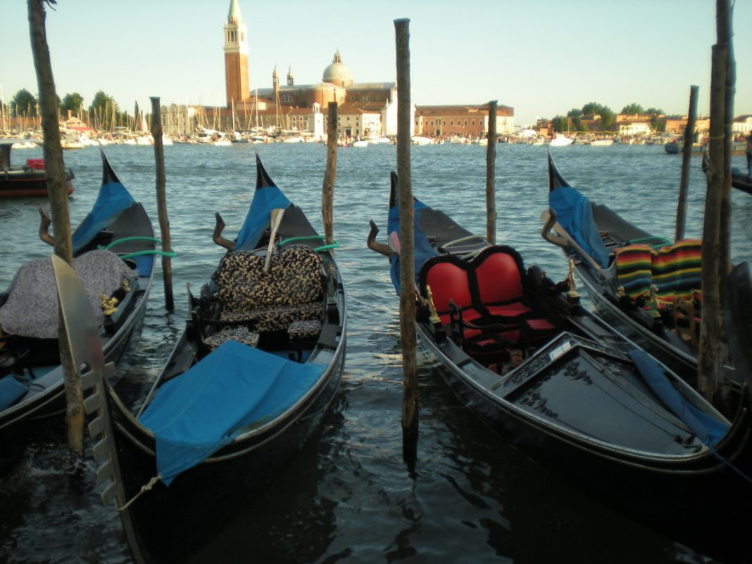 Venedig_Gondeln