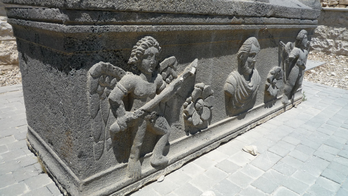 Im Reich der Wüstensöhne Jordanien Sarkophag