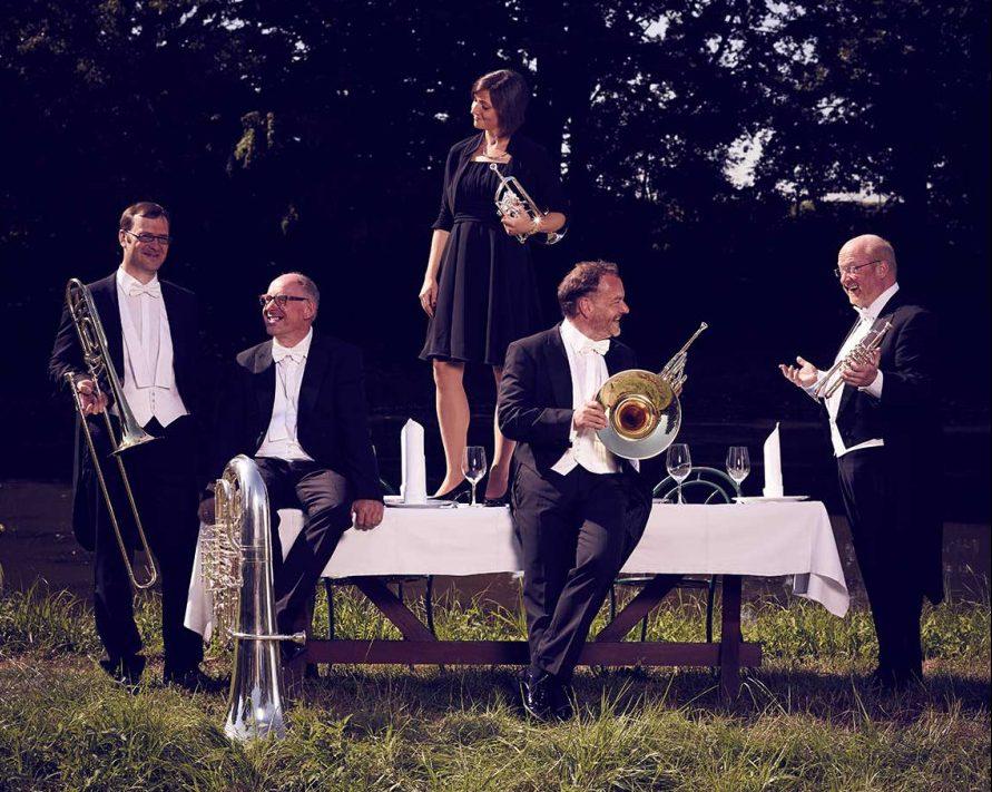 Musik und Essen - eine unwiderstehliche Kombination vom Blechbläserquintett Harmonic Brass