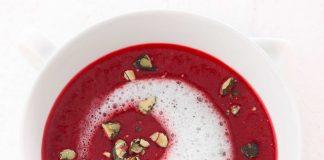 Rote Bete-Suppe mit Wasabi-Schaum