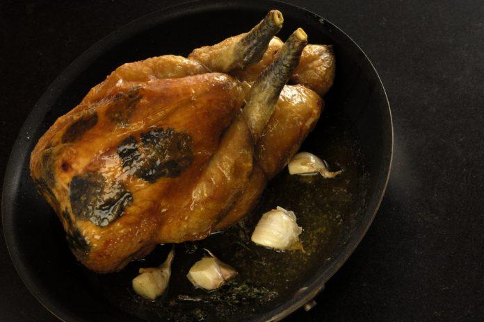 Lea Linster Poularde, Artischocken und Kartoffeln aus dem Ofen