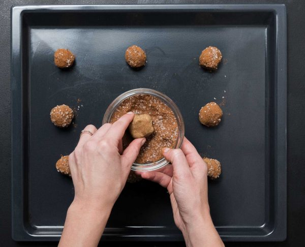 Lebkuchen-Plaetzchen mit Eierlikoerfrosting 4
