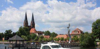 Mit dem Hausboot rund um die Fontane-Stadt Neuruppin