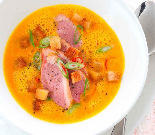 Johann Lafer Karotten-Kokos-Suppe