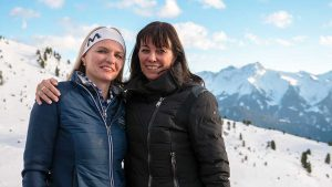 Simone Obersteiner und Martha Schultz, Mitinhaberin Schultz Gruppe, des größten touristischen Unternehmens in Österreich