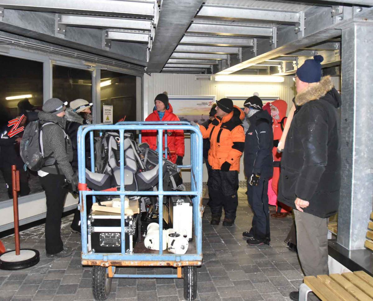 Auffahrt zur Zugspitze mit Equipment