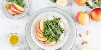 Ruccolasalat mit Apfelspaltenn