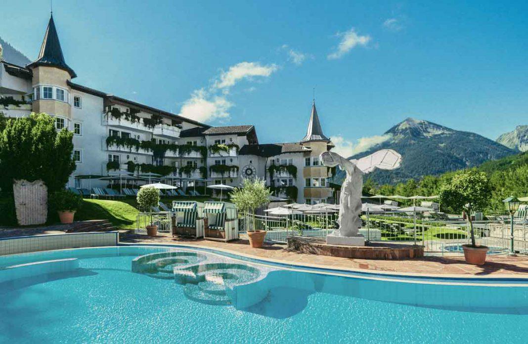 Posthotel Achenkirch verschenkt Urlaubsgutscheine an Krankenhaus-Mitarbeiter