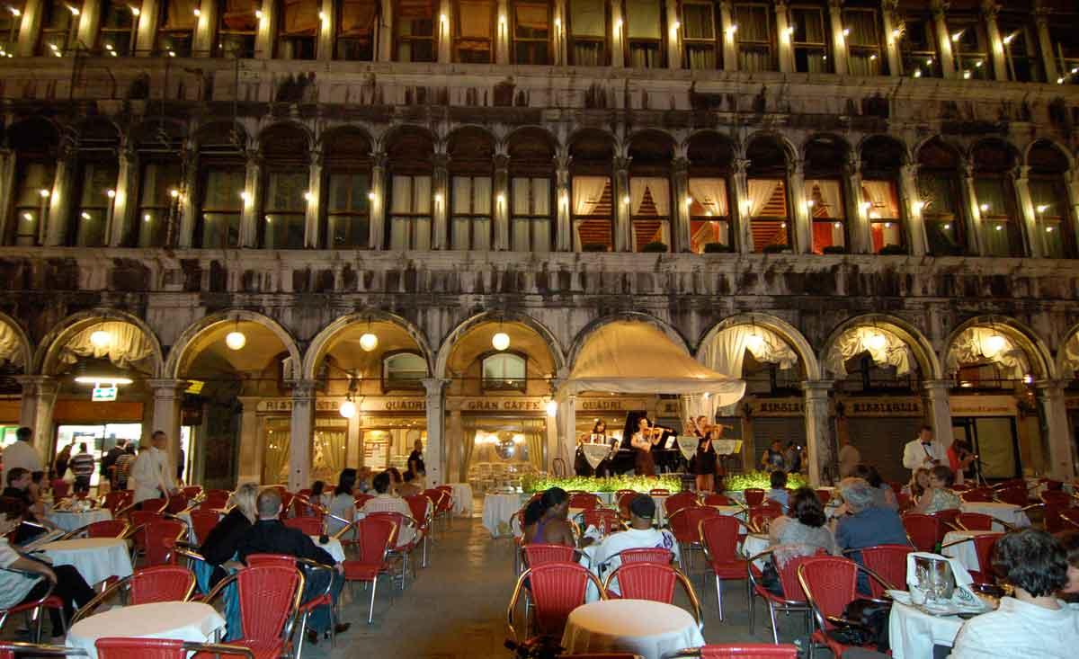 Touristenfalle! Diese Sehenswürdigkeiten sind nur mit Vorsicht zu genießen, Venedig, Italien