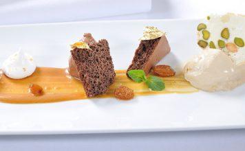 Zweierlei Valrhonaschokolade – geflämmte Buttermilch – Nougateis