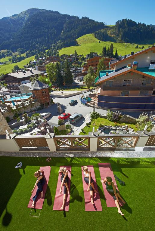 5-Sterne-Superior Luxus pur: Alpine Palace Hotel