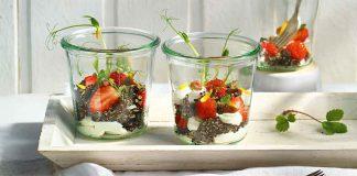 Foodpairing by Paul Ivic: Erdbeer-Quinoasalat mit Ziegenfrischkäse