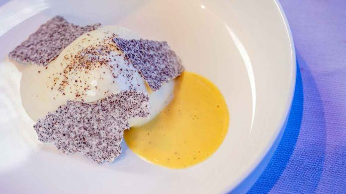 Dessert-Kreation mit Butter-Eis