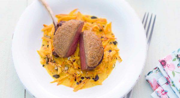 Johann Lafer: Hirschkotelett mit Maronenkruste und rahmigem Kürbis-Gemüse