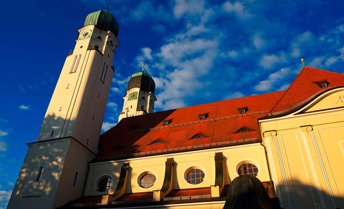Nächster Halt: Nuss-Baiser-Torte, Klostergeist und Hopfengold, Ostbayern, Bayerisches Golf- und Thermenland, Deutschland
