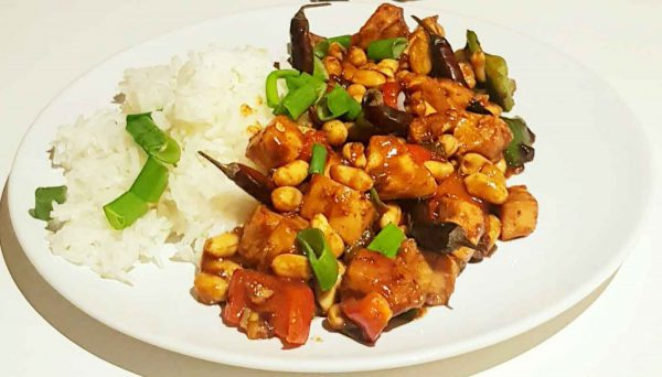Feuriges Hühnchen Kung Pao aus China