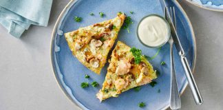 Lachs-Omelett mit gemischten Pilzen