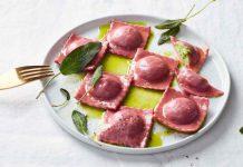 Rote Bete-Ravioli mit Matcha-Butter