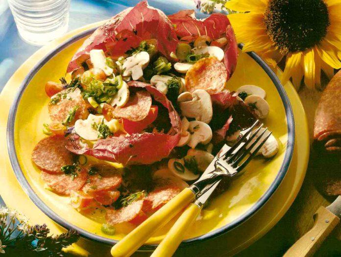 Radicchiosalat mit Salami