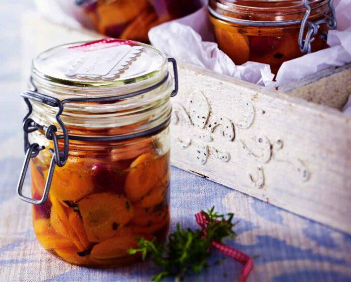 Honig-Essig-Möhren mit Cranberrys