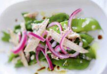 Makrele auf grünen Bohnen mit Essig-Zwiebel-Marinade