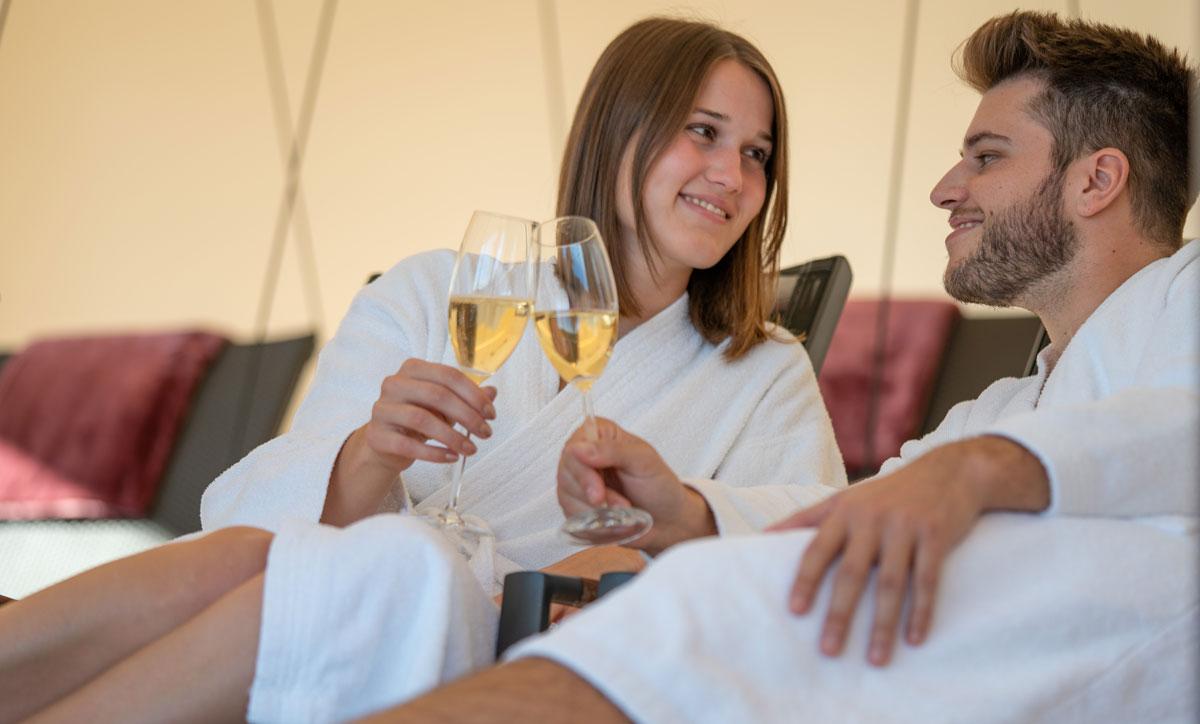 Gewinnen Sie Romantik & Wellness im Schwarzwald Hotel Tannhof am Feldweg