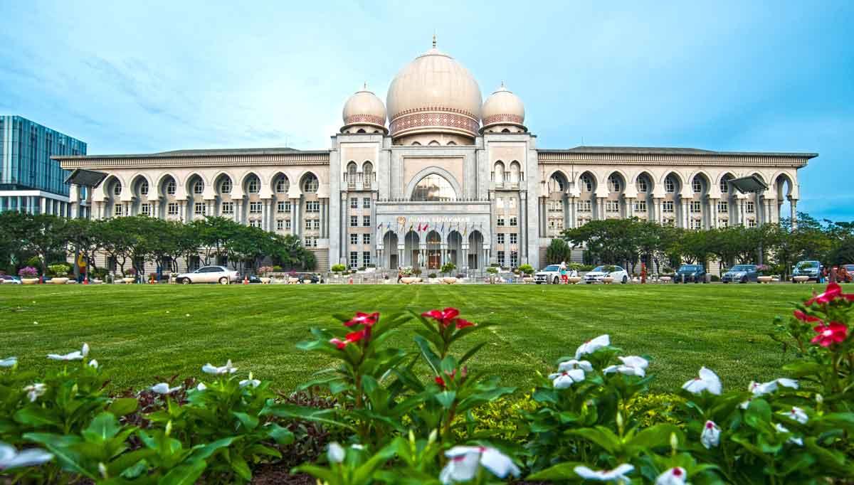 Putrajaya: Juwel der islamisch-malaysischen Architektur