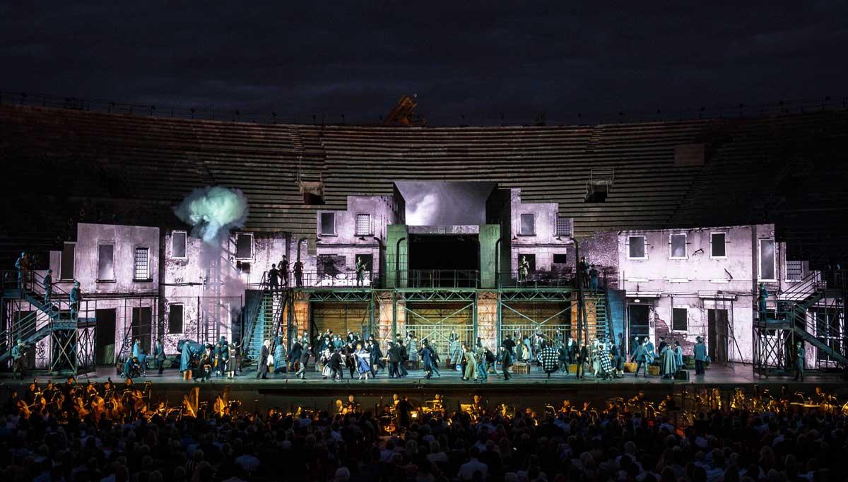 Nabucco: Ein unvergesslicher Opernarbend in der Arena di Verona